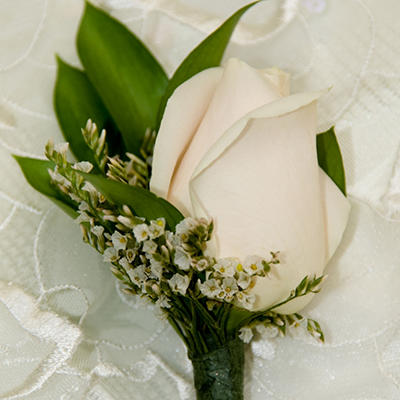 Wedding Corsage & Boutonniere Package - White - 24 pc.