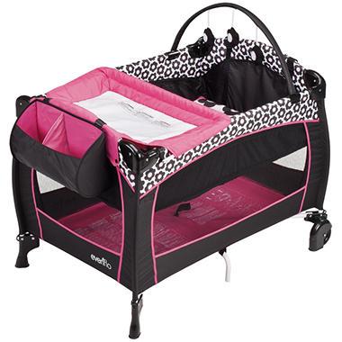 Evenflo Portable BabySuite 300 Playard - Marianna