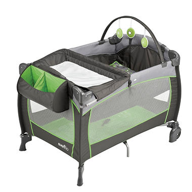 Evenflo Portable BabySuite 300 Playard - Pinwheel