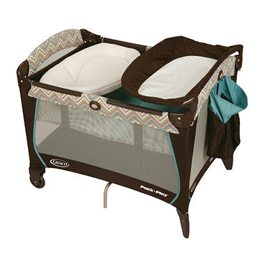 Graco Pack 'n Play Playard with Newborn Napper Station - Avery