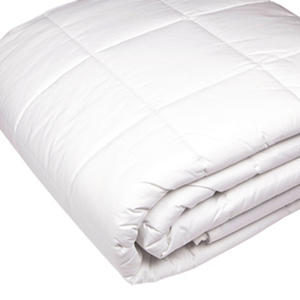 Riegel 230-Thread-Count Quilted Blanket, White (Choose Your Size)