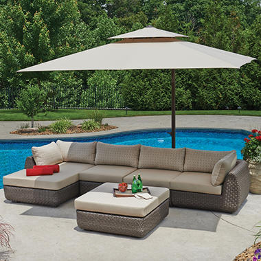 10 Ft x 10 Ft Square Cantilever Umbrella with Protective