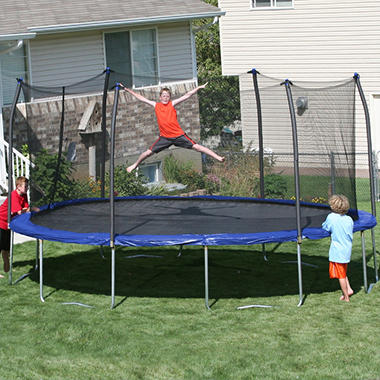 17' x 15' Oval Trampoline and Enclosure Combo