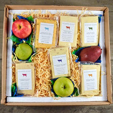 Kilchurn Estate Cheddar and Fruit Kit (serves 20-25)