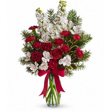 Snowflakes and Sugar Plums Bouquet by Teleflora