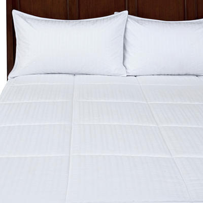 Clare Seersucker Down Alternative Comforter Set - Various Sizes