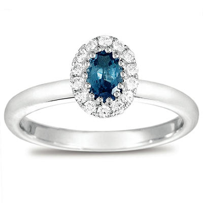Oval-Cut Alexandrite Ring with Diamonds in 18K White Gold (I, I1)