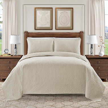 hotel luxury reserve collection bellisima 3 piece quilt