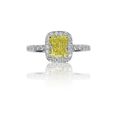 2.67 ct. t.w. Fancy Light Yellow Radiant Diamond Platinum Ring (VS1)