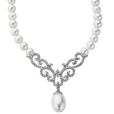 White Freshwater Pearl Necklace with 0.36 ct. t.w. Diamonds in 14k White Gold