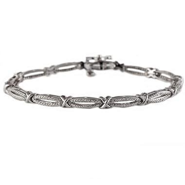 0.12 CT. T.W. Diamond Figure 8 Bracelet in Sterling Silver (I, I1)