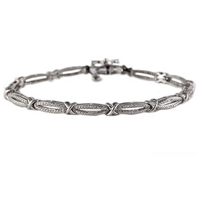 0.12 CT. T.W. Diamond Figure 8 Bracelet in Sterling Silver (I, I1)