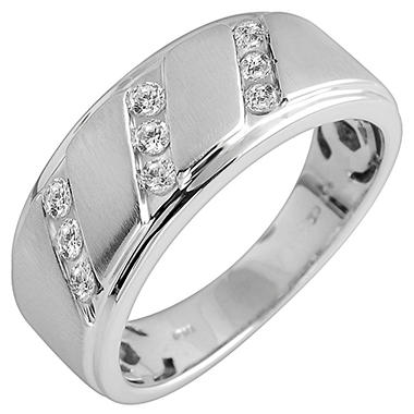 0.33 ct. t.w. Round Cut Diamond Gents Band in 14K White Gold (I, I1)