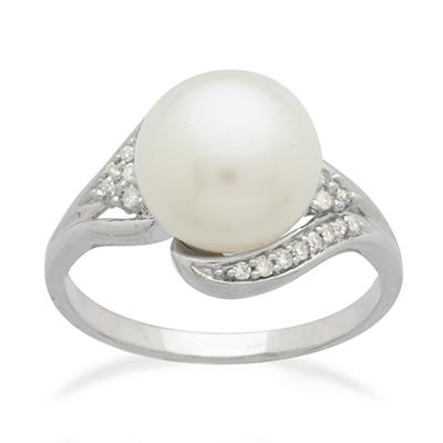 10mm Freshwater Cultured Pearl Ring with 0.11 CT. T.W. Diamonds in 14K White Gold