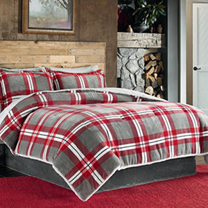Velvet Plush 3-Piece Comforter Set (Assorted Sizes and Patterns)