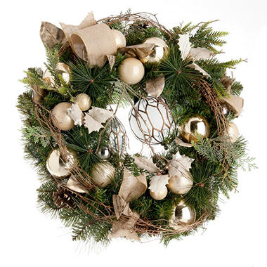 Decorated Christmas Wreath, Natural Wonder (32