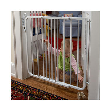 Cardinal Gates Auto-Lock Safety Gate - White