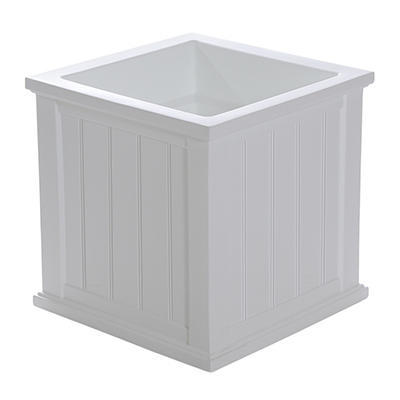 Mayne's Colebrook 20 in. Patio Planter