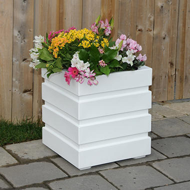 "Freeport 18"" Planter - White"