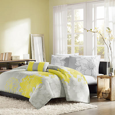 Chloe Duvet Set (4 pcs.) - Various Sizes and Colors