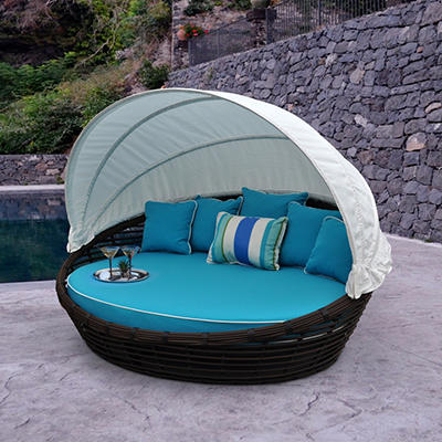 Melbourne Daybed with Premium Sunbrella® Fabric