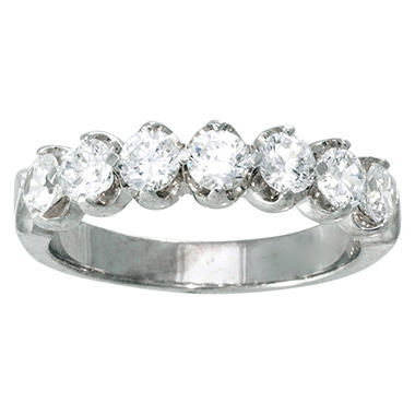 0.96 ct. t.w. Diamond Aniversary Band in 14K White Gold (I, I1)