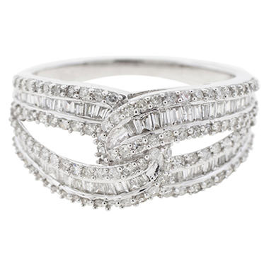 0.96 CTTW Baguette and Round Diamond Ring in 14K White Gold (H-I, I1)