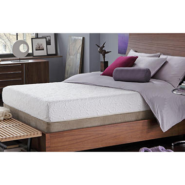 Serta iComfort� Insight Gel Memory Foam Mattress Set - King