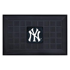 "MLB New York Yankees Medallion Door Mat - 19"" x 30"""