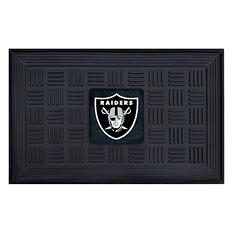 "NFL Oakland Raiders Medallion Door Mat - 19"" x 30"""