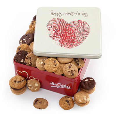 Alder Creek - Mrs. Fields Thumb Print Heart Tin (60 Nibblers)