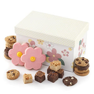 Mrs. Fields Spring Trunk With Cookie Medley