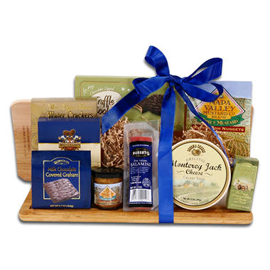 Alder Creek Gourmet Essential Cutting Board Gift