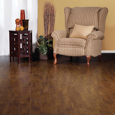 Golden Select? Click Laminate Flooring - Walnut
