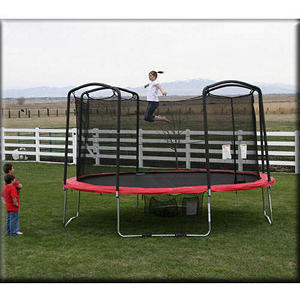 15' Trampoline and Enclosure - Shipping Included