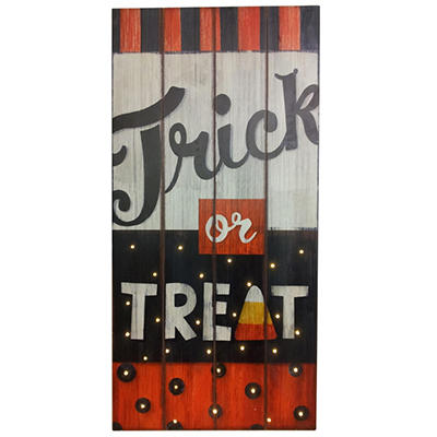 "Halloween Wooden ""Trick or Treat"" Wall Art With 30 Lights"