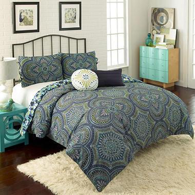 Vue Kapalua Multi-Piece Reversible Comforter Set  13878BEDDTWNMUL