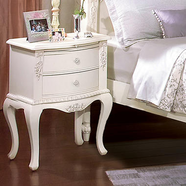 Holly Nightstand