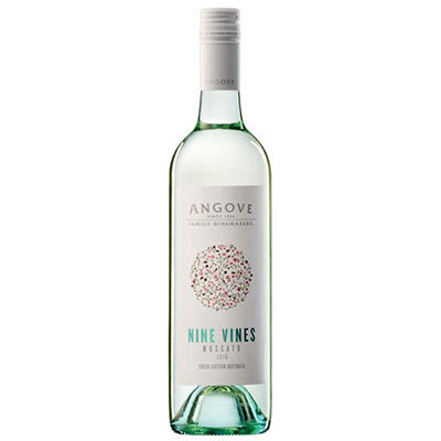 +ANGOVE NINE VINES MOSCATO 750ML