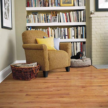 Traditional Living®  Premium Laminate – Heirloom Oak; 10mm thick – 36 pk.