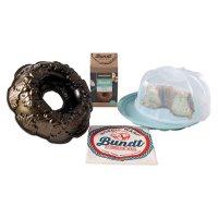 Nordic Ware Fall Bundt Bundle: Autumn Wreath Bundt Pan, Bundt Keeper, Vanilla Bean Bundt Mix & Bundt Bag