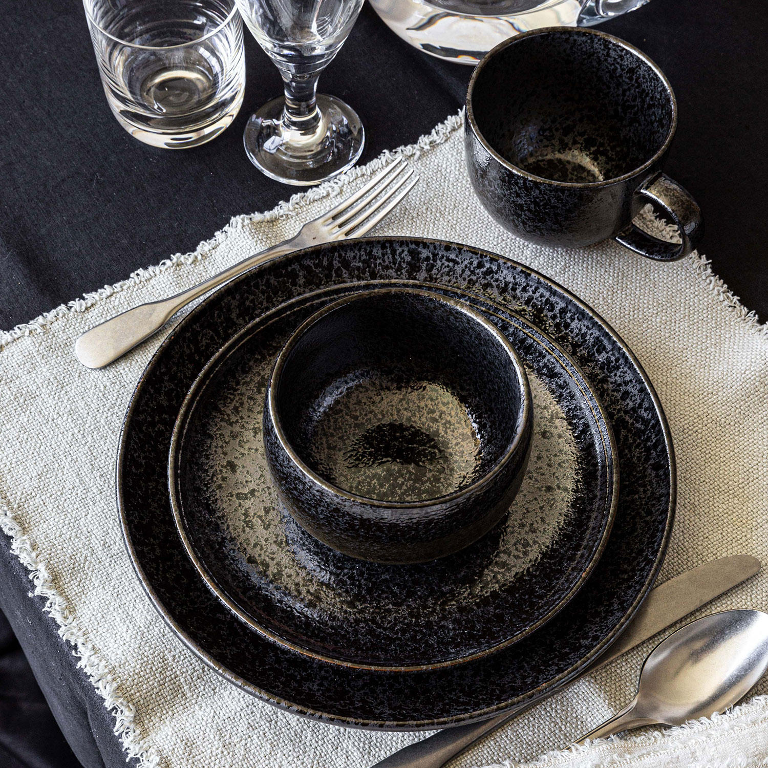 Overandback 16-Piece Glazed Speckled Stoneware Dinnerware Set
