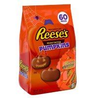 REESE'S Milk Chocolate Peanut Butter Pumpkins Candy, Halloween, Bulk Bag (38 oz., 60 pc.)