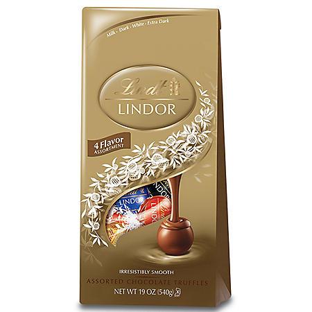 Lindt Chocolate Assorted Lindor Truffle Bag (19 oz.)