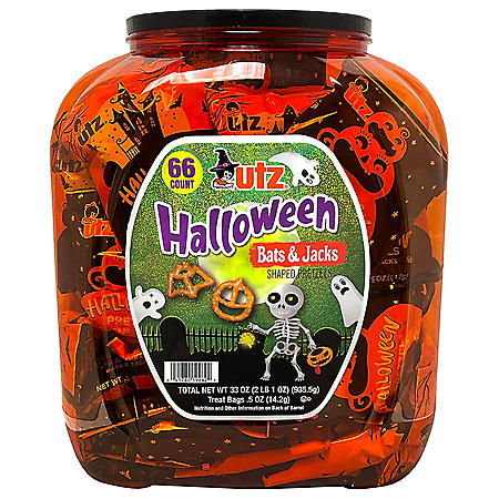 Utz Halloween Shaped Pretzel Treat Barrel (70 ct.)