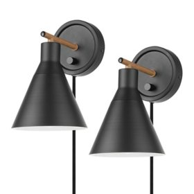 Globe Electric Tristan Plug-In/Hardwire Wall Sconce 2-Pack in Black with Bulb