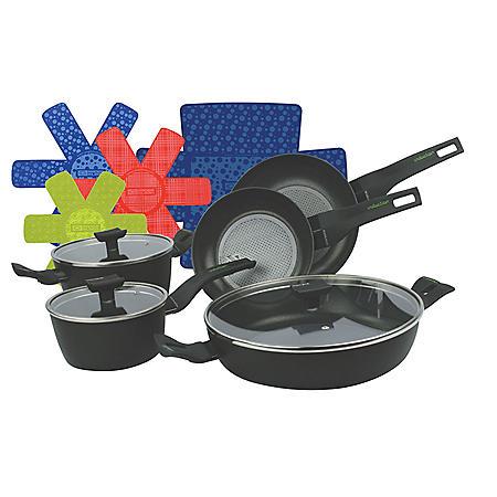 Moneta 8-Piece Nova Induction Cookware Pan Set with Bonus Cookware Protectors