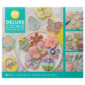 Wilton Cookie Decorating Kit (12 ct.)