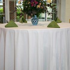 """Riegel 132"""" Round Seamless Tablecloth - White - 3 pk."""