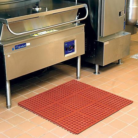 "Member's Mark Commercial Grease-Proof Floor Mat (3' x 3' x .5"")"